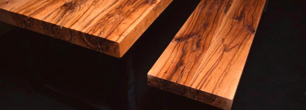 Altholztisch aus Eiche mit Bank von Holz
