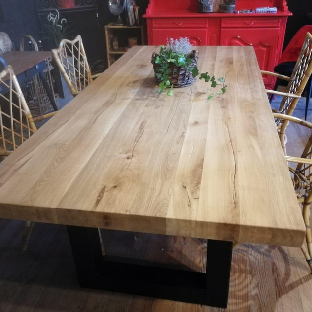 Massivholztisch aus Eiche
