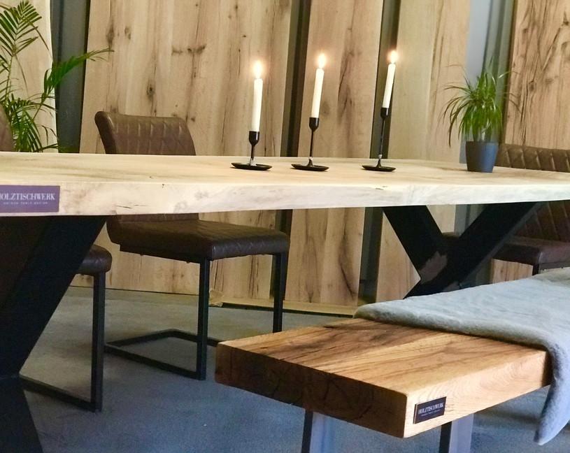 Holztischwerk Esstischgruppe