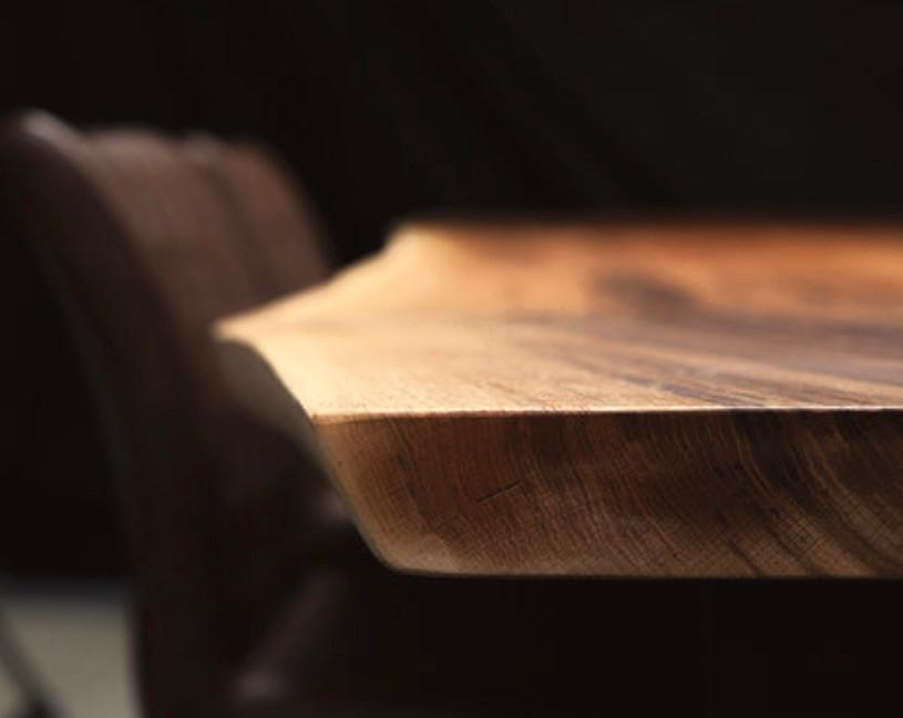Holztischwerk Baumkantentisch