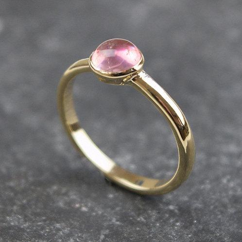 Pink Tourmaline ring in 9ct gold.