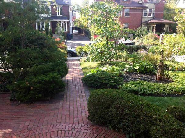 Walmer Road formal garden