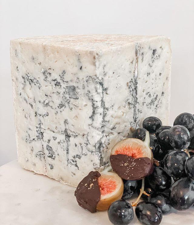 Blue Cheese LoVE 💕 . . #bluecheese #gra