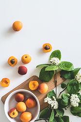 Biences bienfaits de l'abricot produits cire d'abeille soin du visage deodorant suisse
