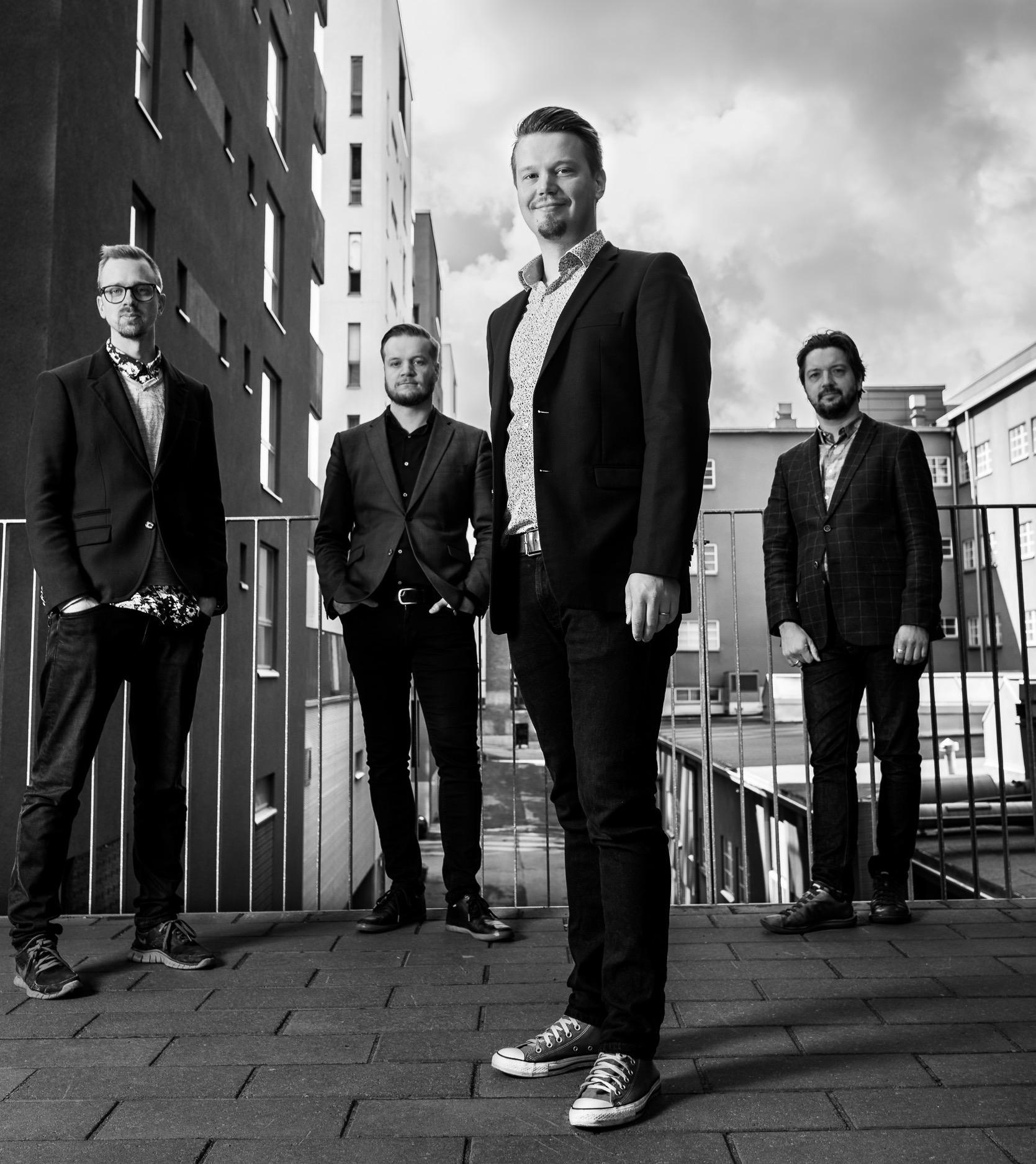 Tuomas J. Trio feat. Manuel Dunkel