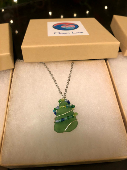 """""""Christmas Tree"""" Necklace"""