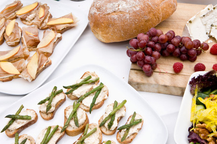 5 Tips for Planning A Spring Garden Party