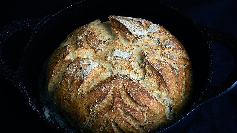 Le Creuset Dutch Oven (2 3/4 QT) with Artisan Bread