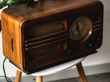 a avó e o rádio