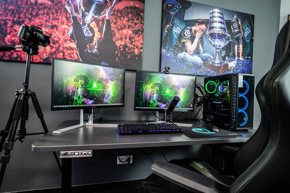 Gaming Set With Gaming Desks and Computer