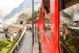 Visite en train dans les montagnes