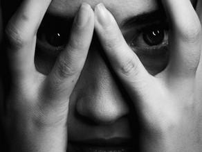 """""""O trauma volta como uma reação, não como uma memória"""", Bessel van der Kolk"""