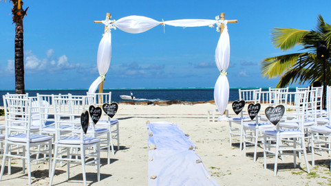 Having a Beach Wedding? Then you need to read this!