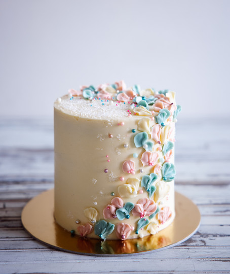 The perfect buttercream to frost your vegan cakes