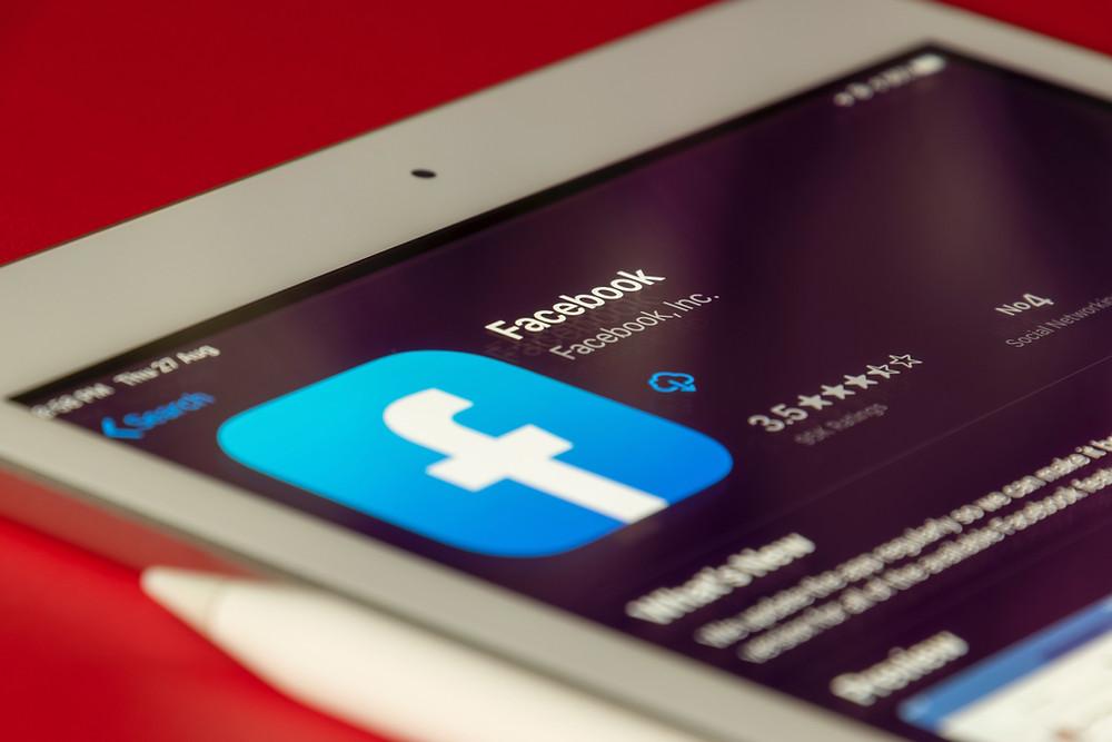 facebook advertising italia