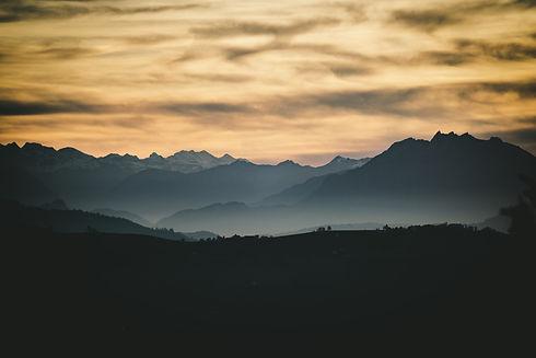 Image by Claudio Schwarz   @purzlbaum