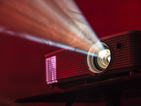 Lamp or Laser Projectors. How to Choose.