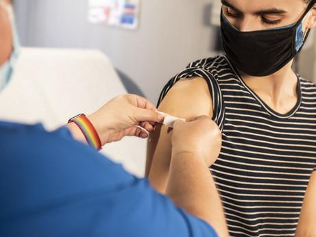E se além de estudar, você pudesse se imunizar contra o COVID em seu intercâmbio?