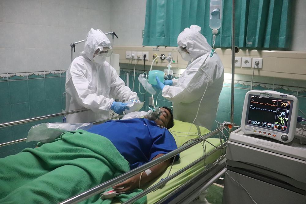 Las hospitalizaciones por COVID en Ontario alcanzan el punto más alto en casi 2 meses, más de 2,300 casos nuevos.