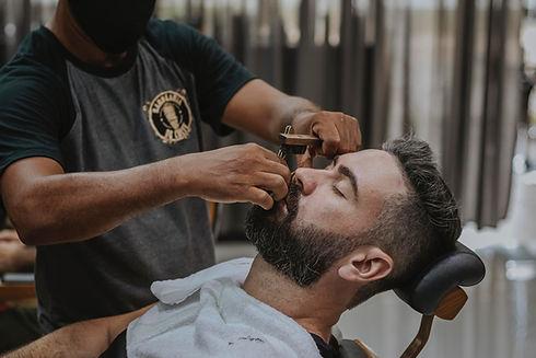 Férfi fodrászat és szakálvágás Győr belvárosában