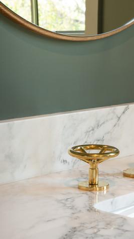 11 étapes pour nettoyer sa salle de bain