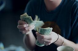 פיצוי כספי על עיכובי וביטול טיסות - כל מה שצריך לדעת