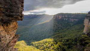 Blue Mountains + Caves
