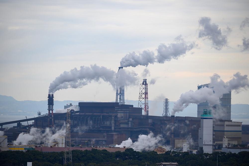 Verbranding van fossiele brandstoffen door de industrie