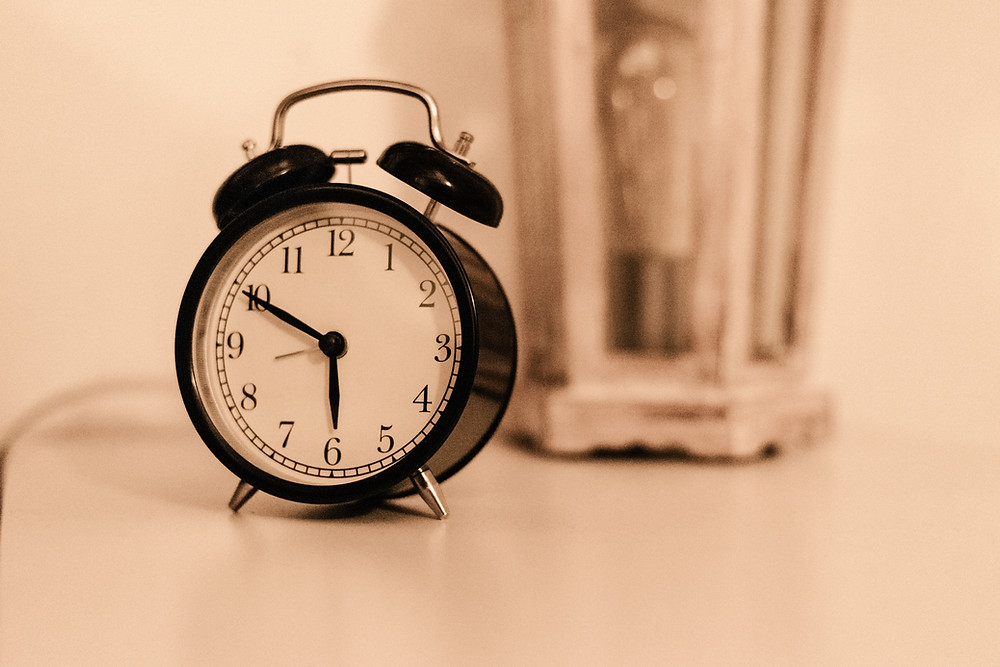 set your alarm to get up early each morning will help you get good sleep
