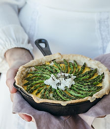 Filo pastry pie with asparagus