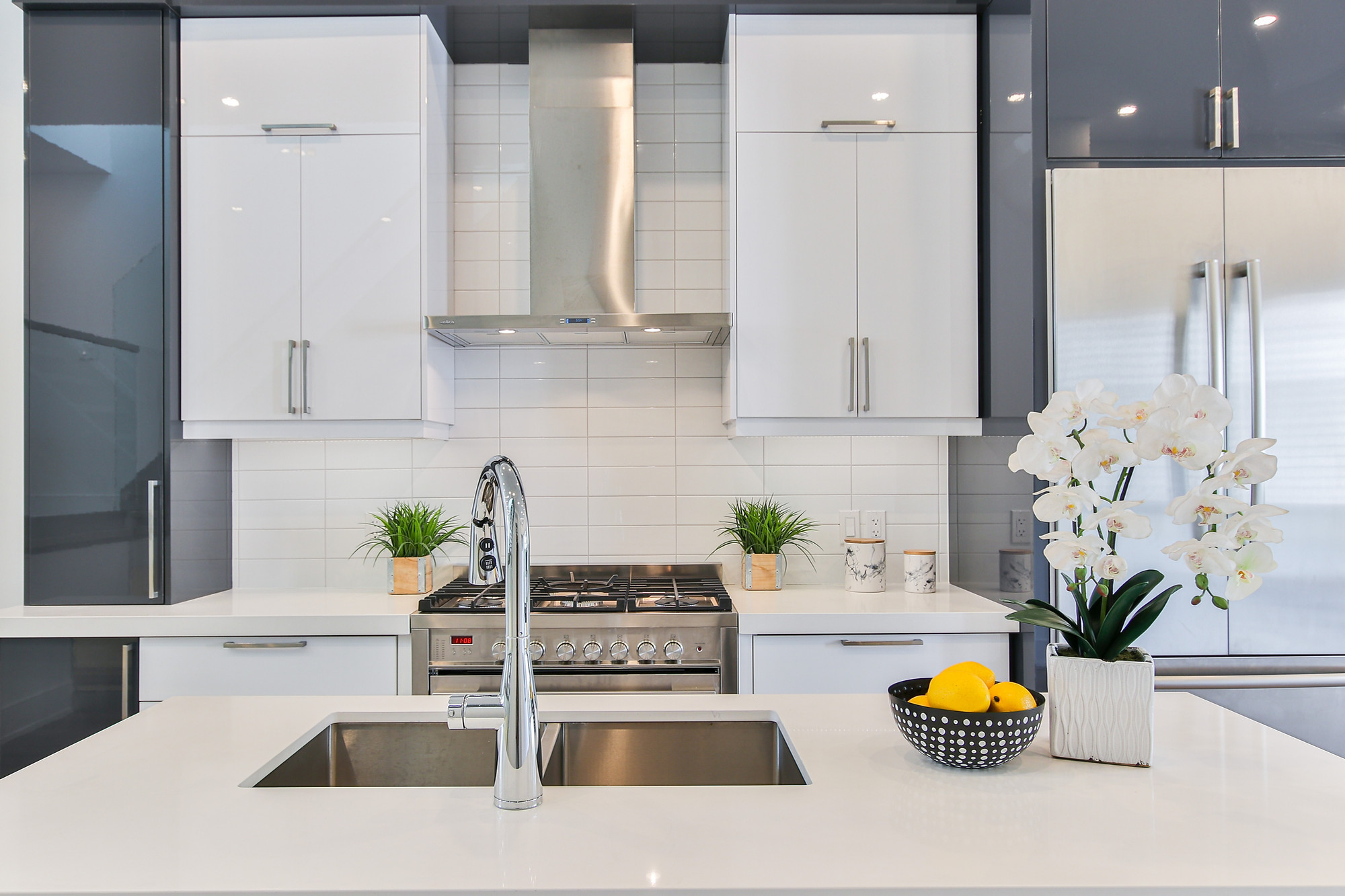 What Is Acrylic Modular Kitchen