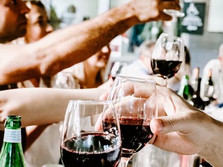 Wine Review November 30, 2020 -  Christmas Cheers!