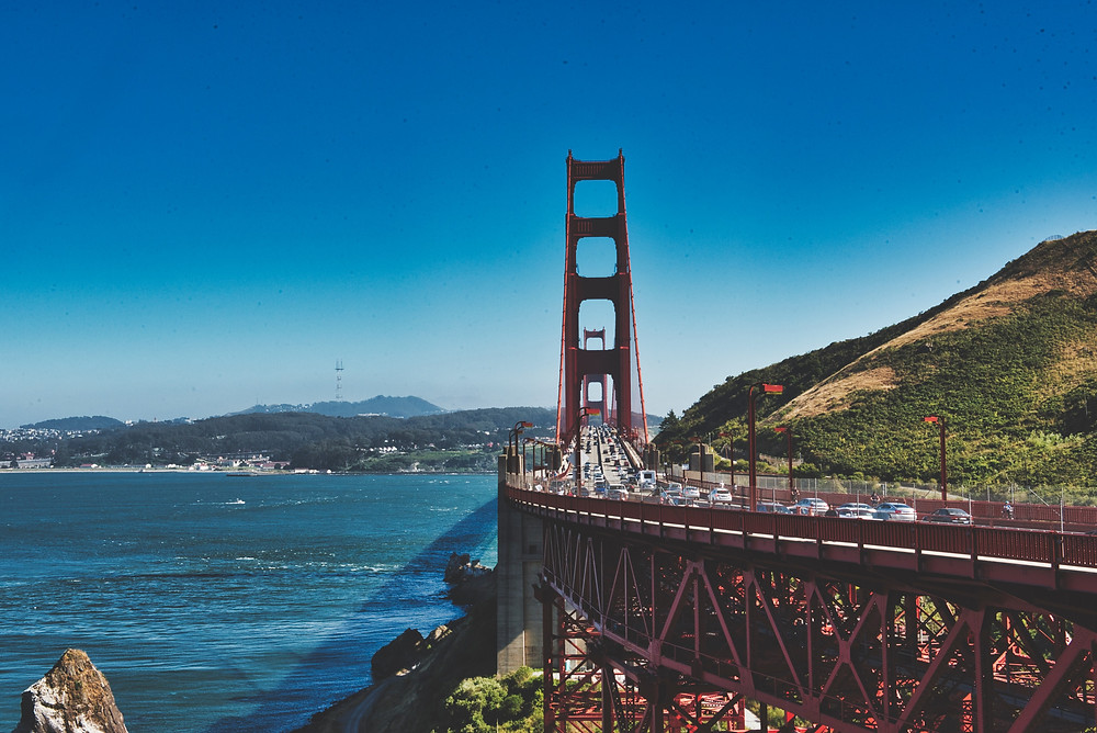 A picture of the Golden Bridge, SF