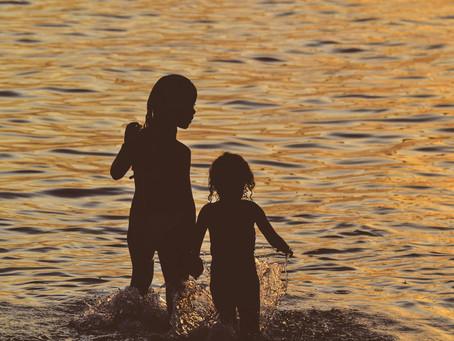Gelozia între frați: adevăr și provocări