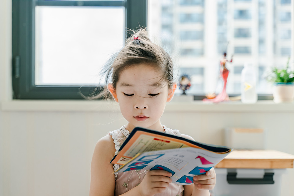 Working from home, children, pic By Jerry Wang on Unsplash, Mind It Ltd, Wellbeing workshops, wellbeing webinars, wellbeing training, wellbeing consultancy, Leeds, England