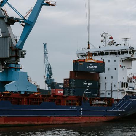 Cena za transport morski z Chin w lipcu 2020. Ile kosztuje kontener? Jaka cena za drobnicę?