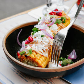 Grilled corn with cashew spread