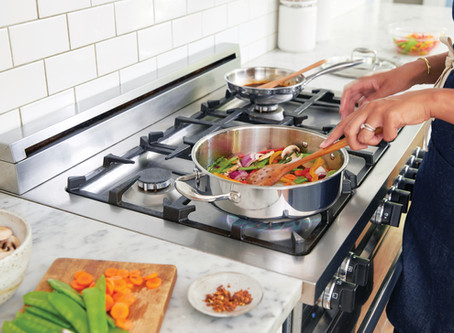 Protecting Your Loved Ones from Food Illnesses This Holiday: 5 Dangerous Cooking Mistakes to Avoid