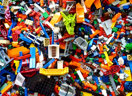 Theorybuilding with LEGO: A Material Digital Media - Chris Ingraham and Nick Taylor