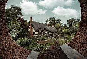 Cotswolds caravan site near Stratford upon Avon