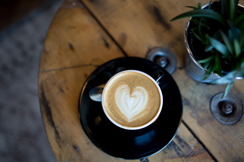 CAFÉ DISCUT' avec Aurore