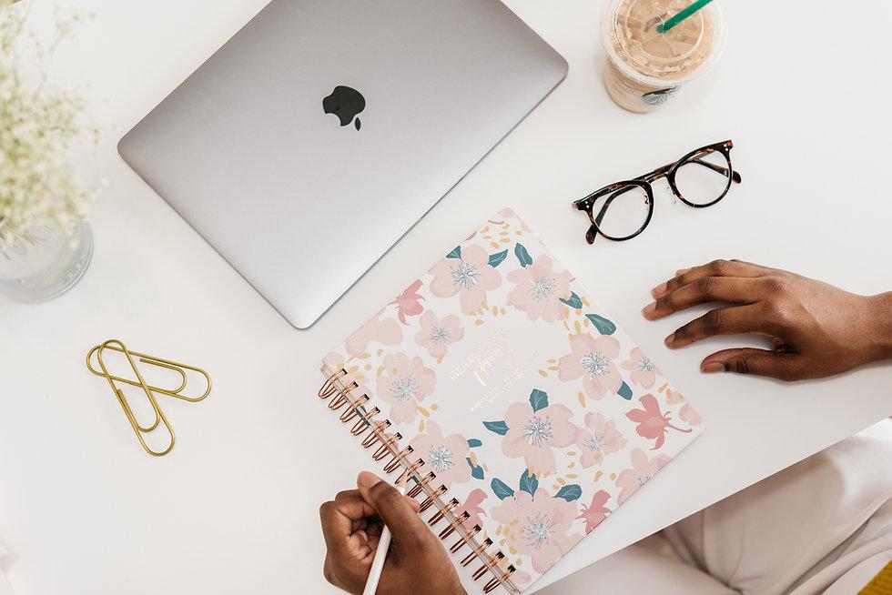 Los Angeles Virtual Assistants - Tax Preparation, bookkeeping, spreadsheet creation, website creation