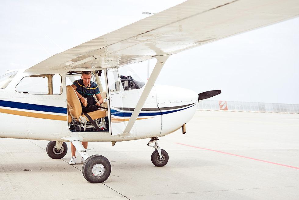 Aeros Cessna 152