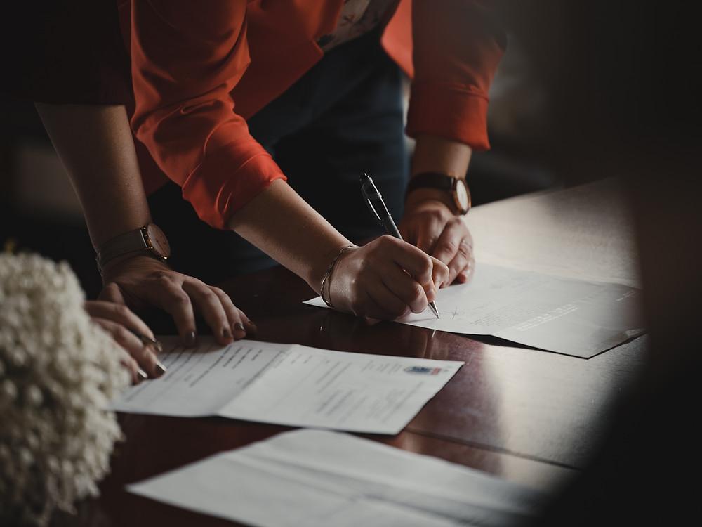 Assinatura de Contrato, Escritura