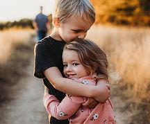 30 юли ден на прегръдката-lubkailievakk.com