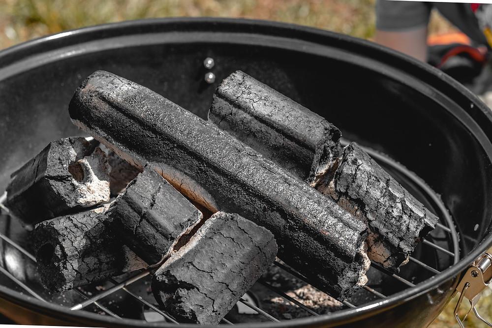 Mangal kömürlerinin baca ile yakılması