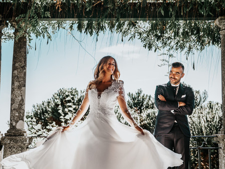 3 Types of Online Content Engaged Couples Love to See From Wedding Professionals