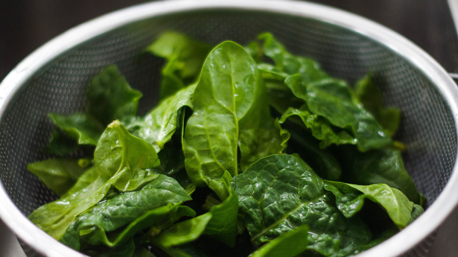 Healthy Social-distancing Recipe: Banana/Spinach Pancakes