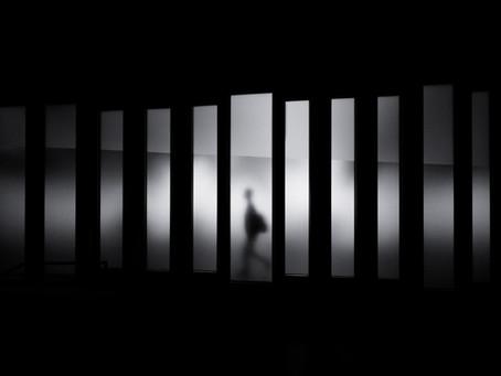 Öykü- Işıl Şenol- Gölgesini Arayan Adam