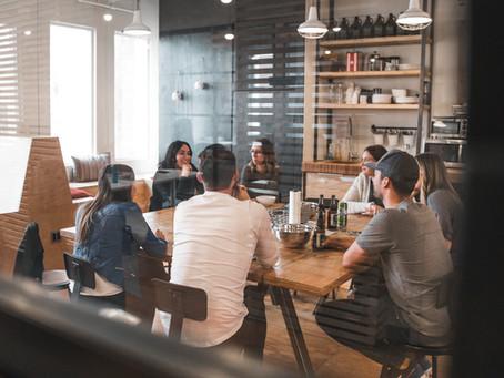 Hyvä työntekijäkokemuksen johtaminen on yhteistyötä ja osallistamista